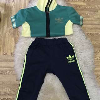 Set Adidas fits to 3-7 years old/ direct contact #09956396640