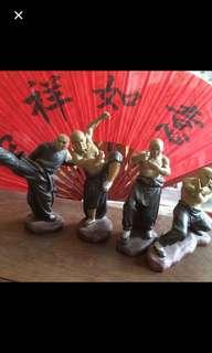 Kung fu men figurines