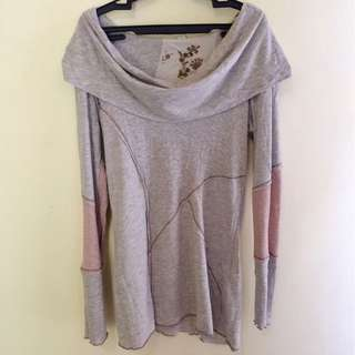 unbranded long sleeved too