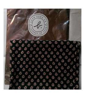 購自日本 日版 Agnes b scarf 圍巾 披肩 附原裝禮物袋