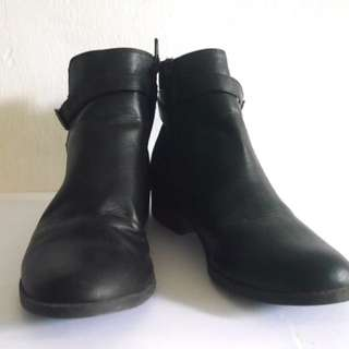 New Look Black Boots