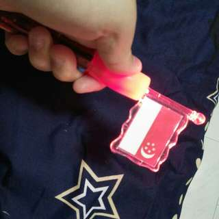 Battery-operated Singapore Flag Pen