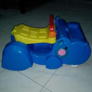 Fisher-Price Gobble & Go Hippo