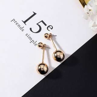 Alice ball earrings