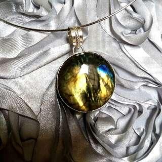 Enchanting Shiny Labradorite Pendant 5 cm. Set in 925 Silver