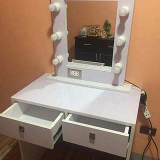Vanity mirror and furnitures