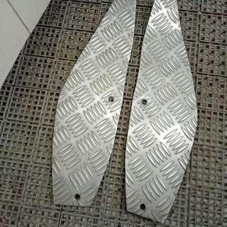 Metal footplates for Gilera 200cc