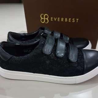 Sepatu original everbest uk 40