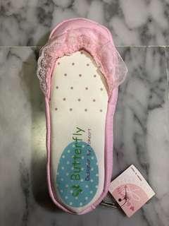 Shoe pencil case