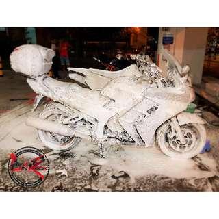 Motorcycle Bike Wash/ Bike wash/ bike grooming/ Professional Detailer/ Yamaha FJR