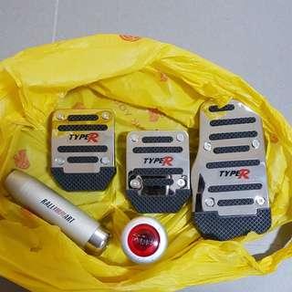 Sports pedals, gear knob, handbrake handle