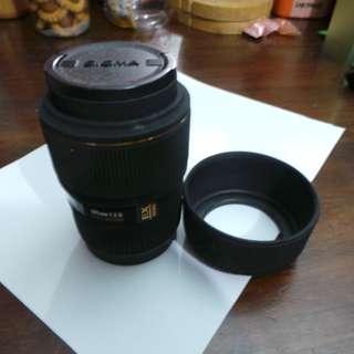 02070 Sigma 105mm f/2.8 EX DG Macro Lens Canon Mount
