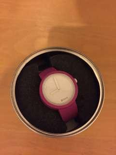 O clock classic watch