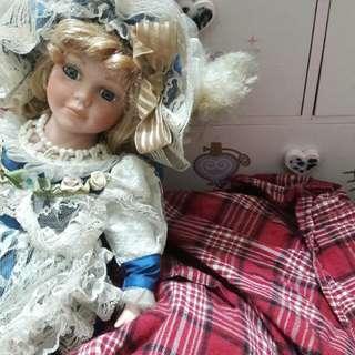 🚚 陶瓷娃娃