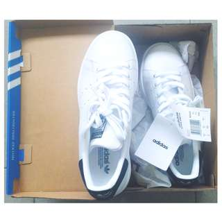 Authentic Adidas Stan Smith (Blue)