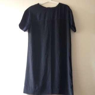 uniqlo 黑色緞面洋裝