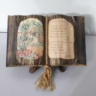 Vintage Living Book