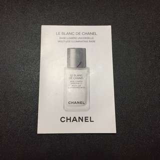 Chanel Le Blanc De Chanel Multi-use Illuminating Base 1.5ml