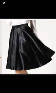 Black stretchable skirt