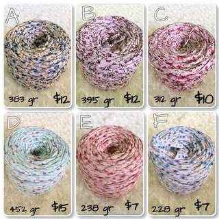 Tshirt yarn flower motif
