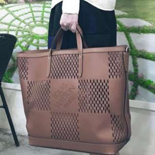 Louis Vuitton Spring/Summer 2014 Men's Tote Bag Nomade Damier Oversize Cabas East-west