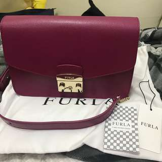 全新 有收據 brand new Furla Metropolis shoulder bag