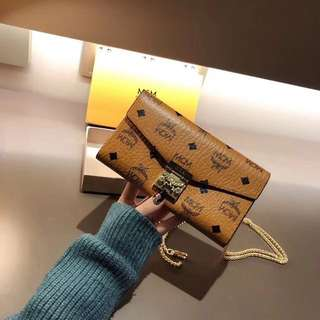 MCM PATRICIA tow fold wallet