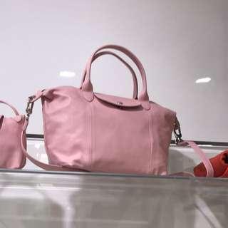 購自法國longchamp baby pink 粉紅全羊皮中size斜背手挽袋