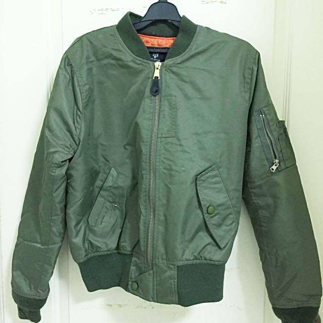 軍綠飛行外套