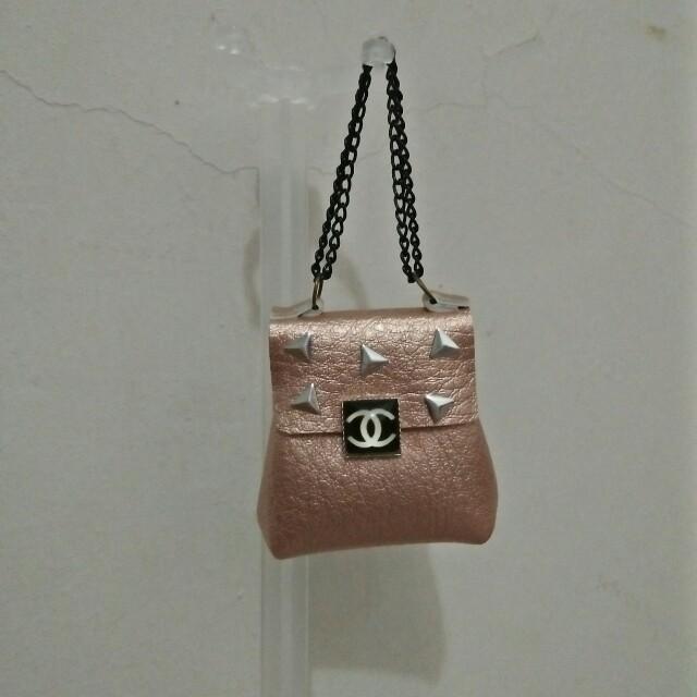 BARBIE DOLL Sling Bag 900459