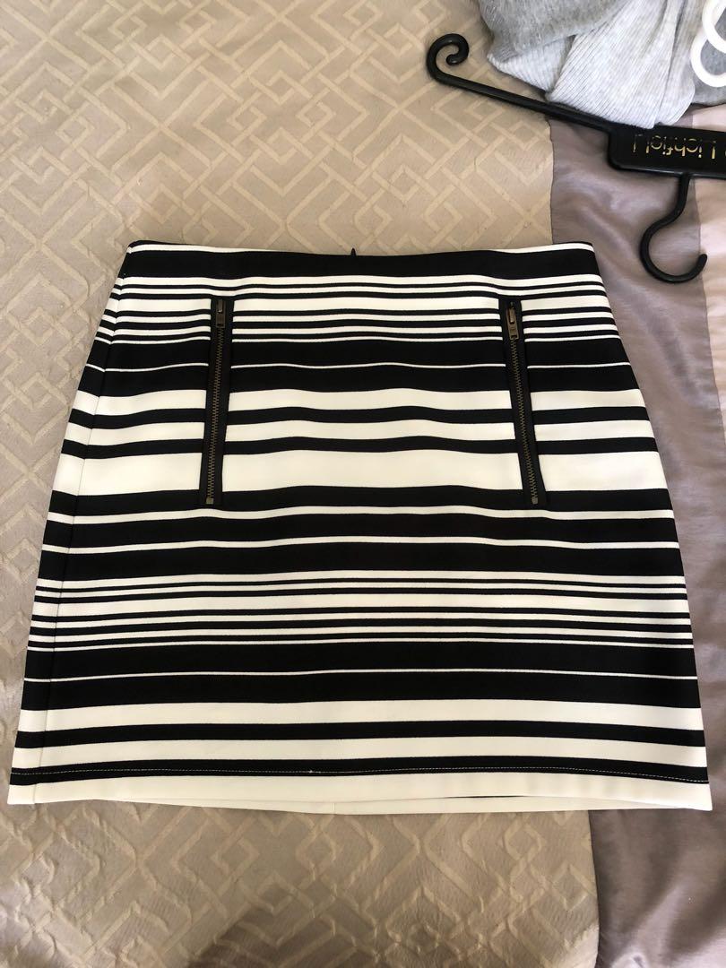 Black and white stripy skirt size 6