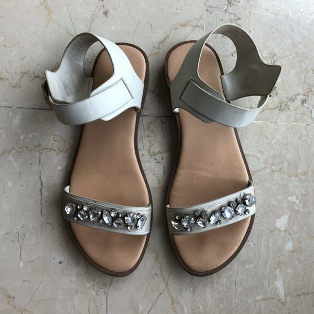 Charles & Keith Sandals Sz35