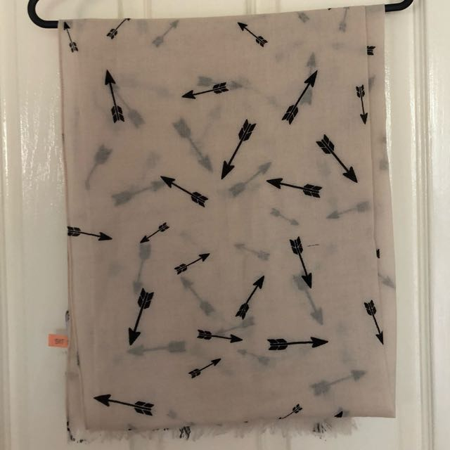 Country Road Arrow Scarf
