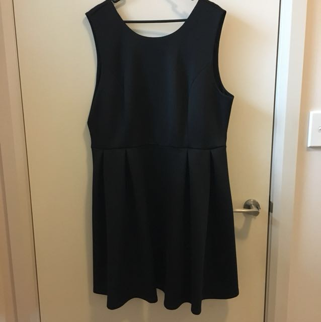 Dorothy Perkins open back dress with Bow detail size 16