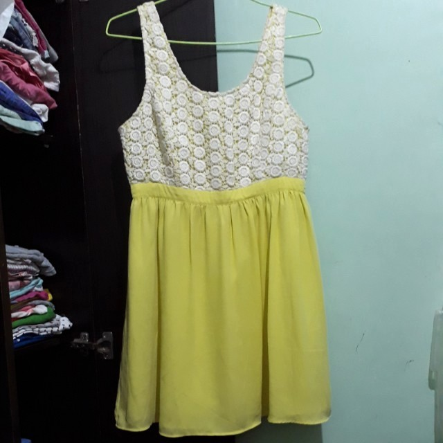 Forever 21 Yellow Dress (Large)