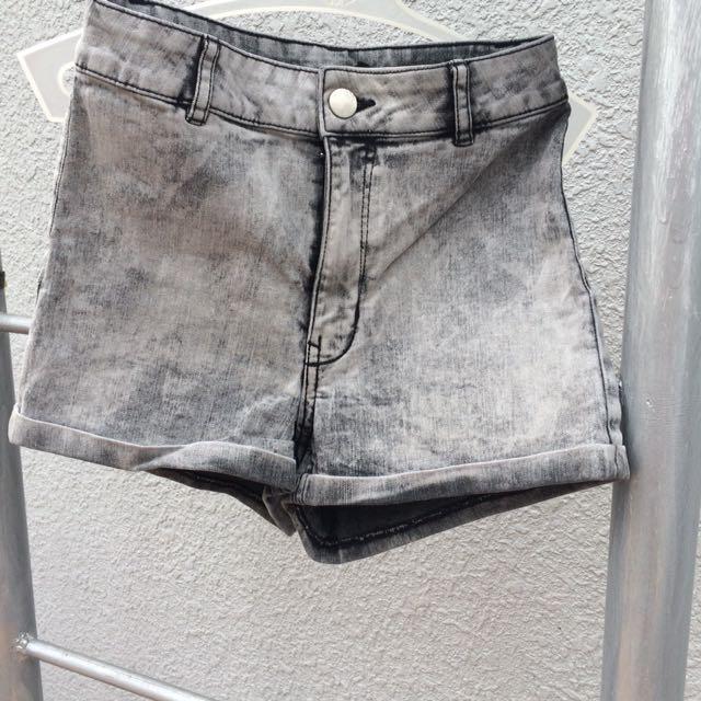 H&M Highwaist Shorts