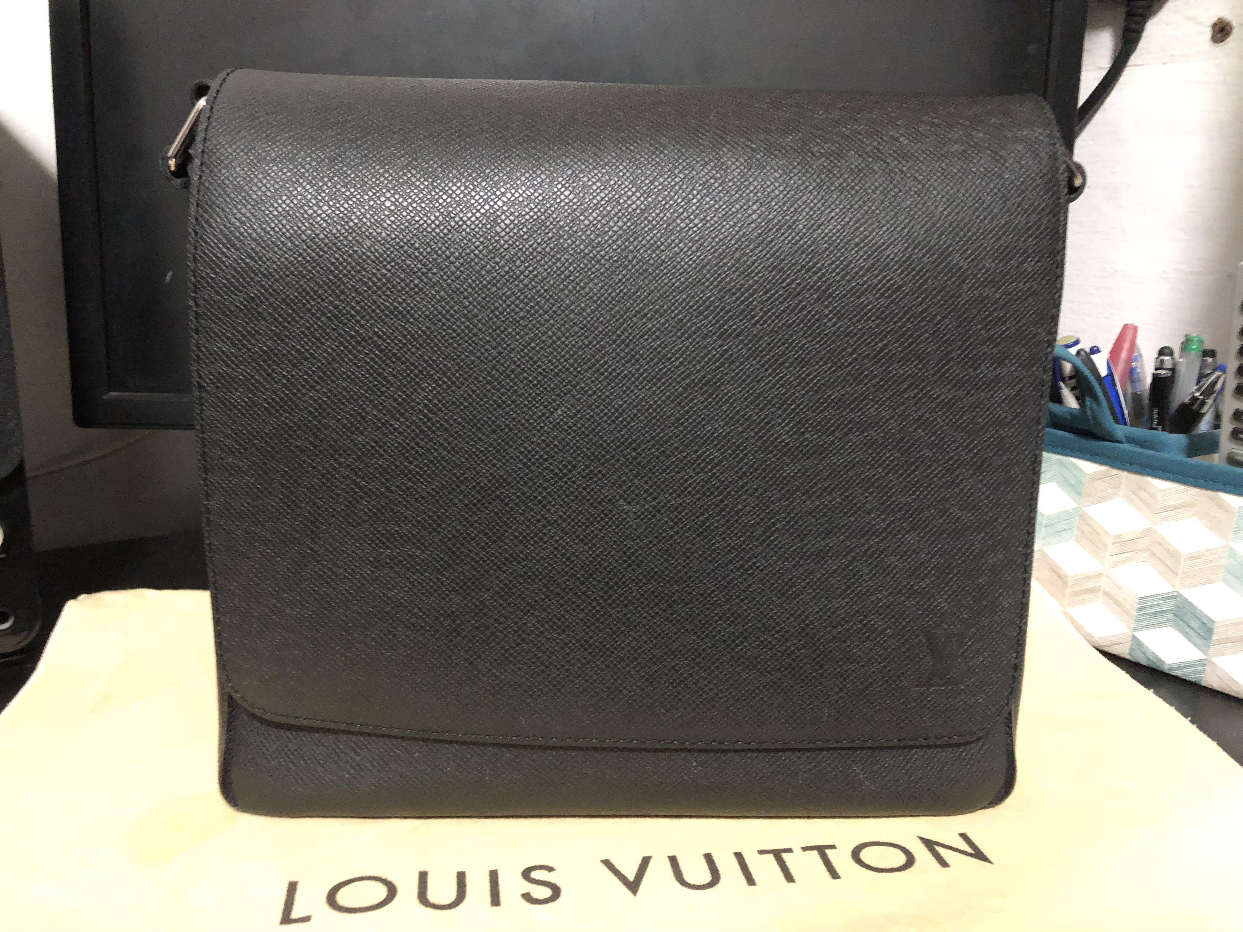 aa819372a9c Louis Vuitton Roman PM