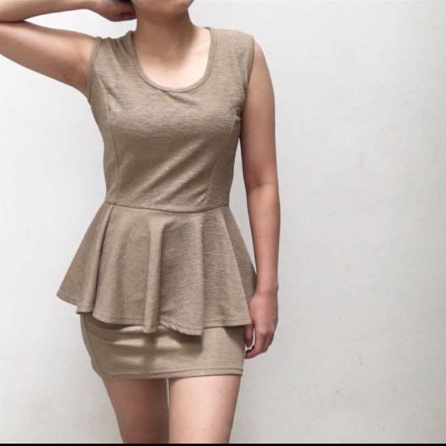 Peplum dress Khaki