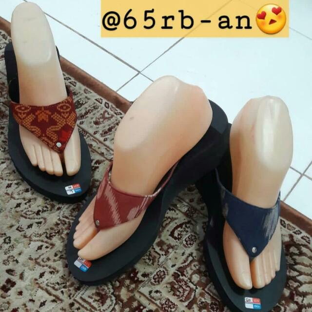 Sandal wedgest batik bali