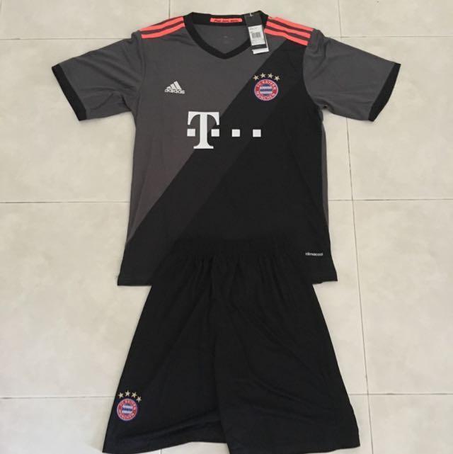 fc98940c Season 16/17 Bayern Munich Away Jersey w/Shorts set M Size, Sports, Sports  Apparel on Carousell
