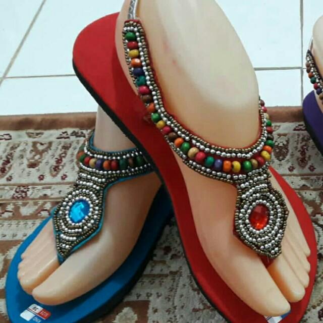 Sepatu sandal bali