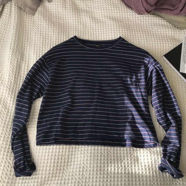 striped long sleeved crop