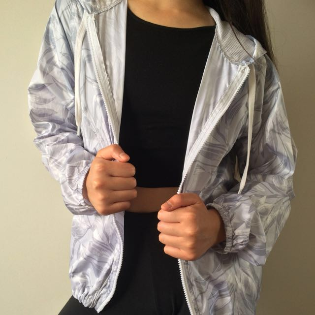 Supre Windbreaker/ Jacket