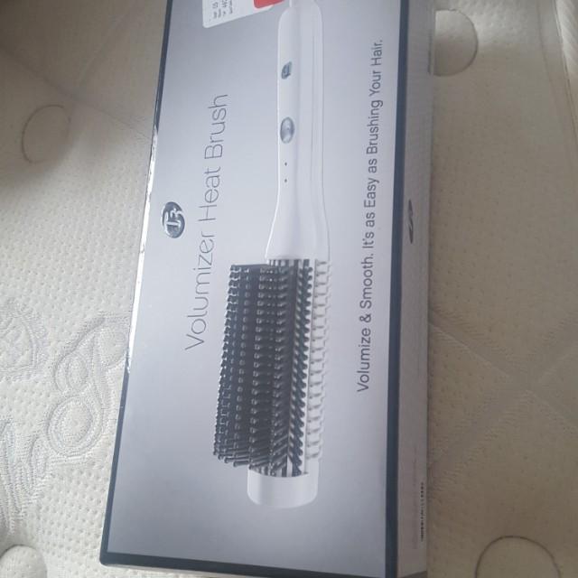 T3 Volumizing heat brush * new*