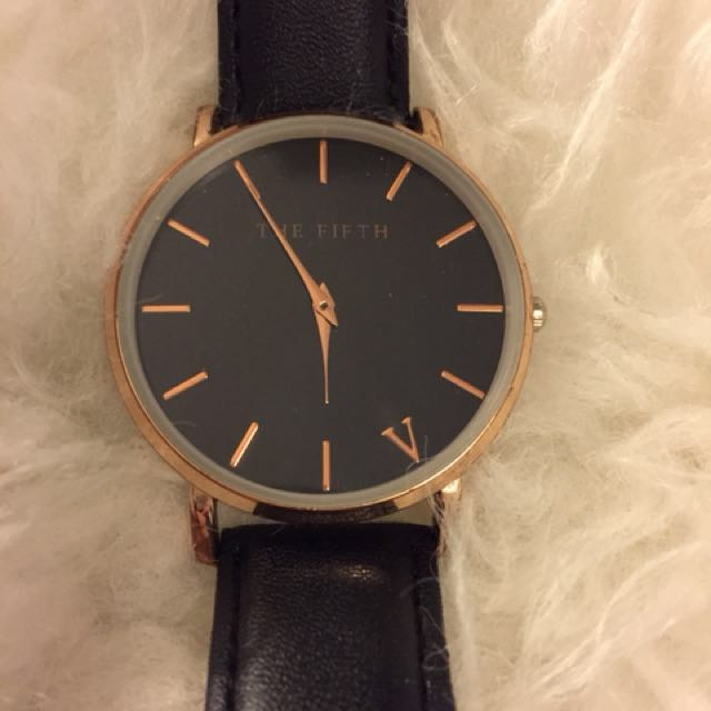 The Fifth watch - rose gold, black leather, black face