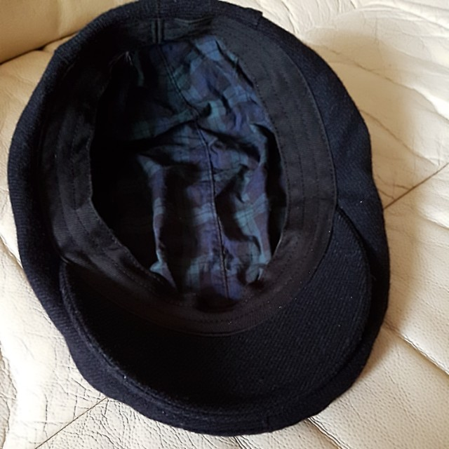 6a249ac74c756 Uniqlo wool black beret
