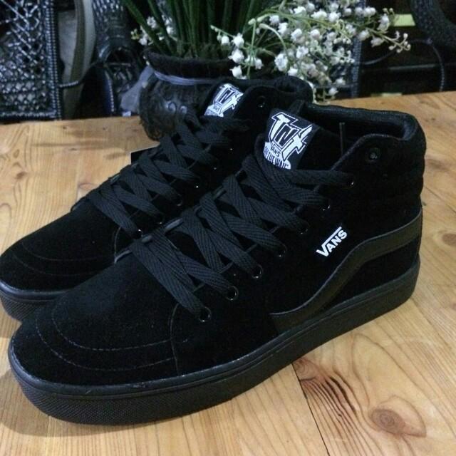 c025719614cf Vans TNT all black