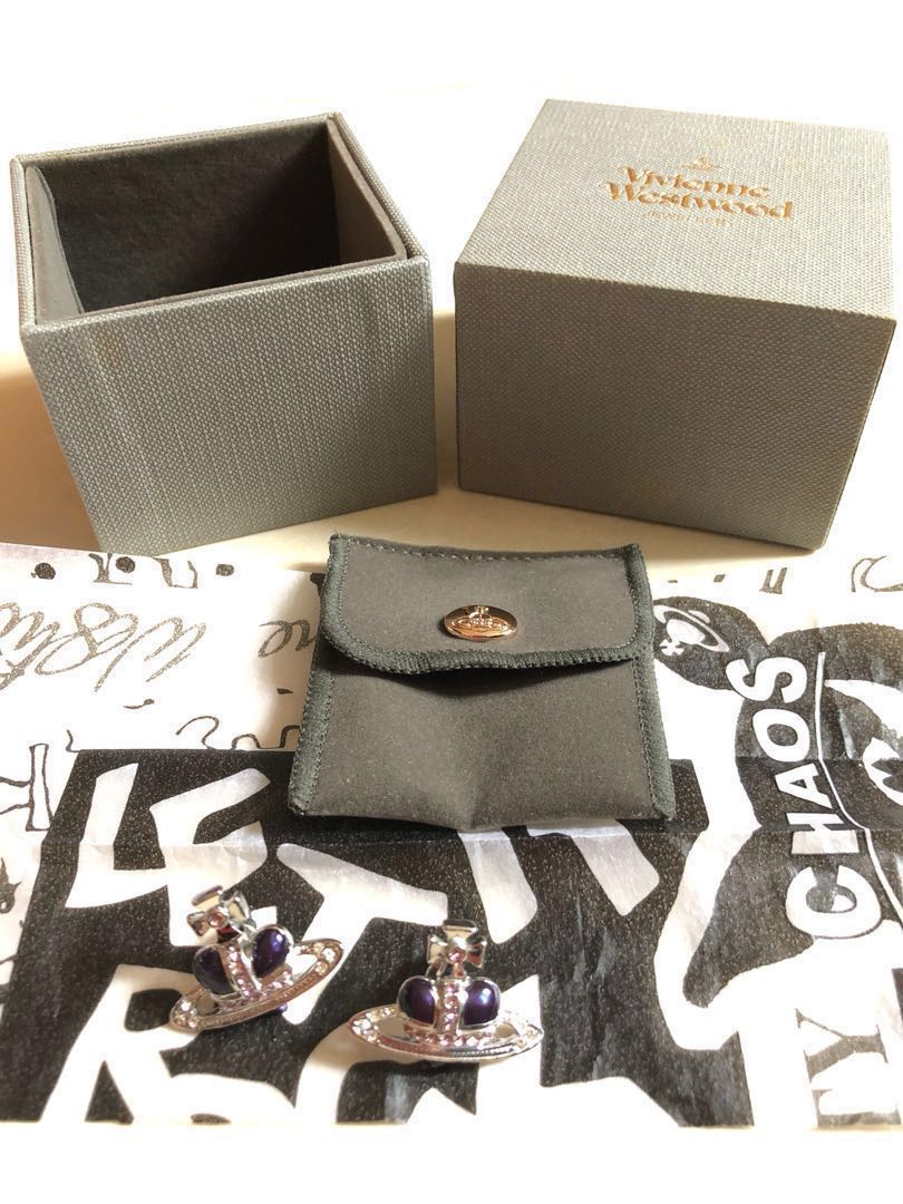 Vivienne Westwood ear rings$400 per one pair