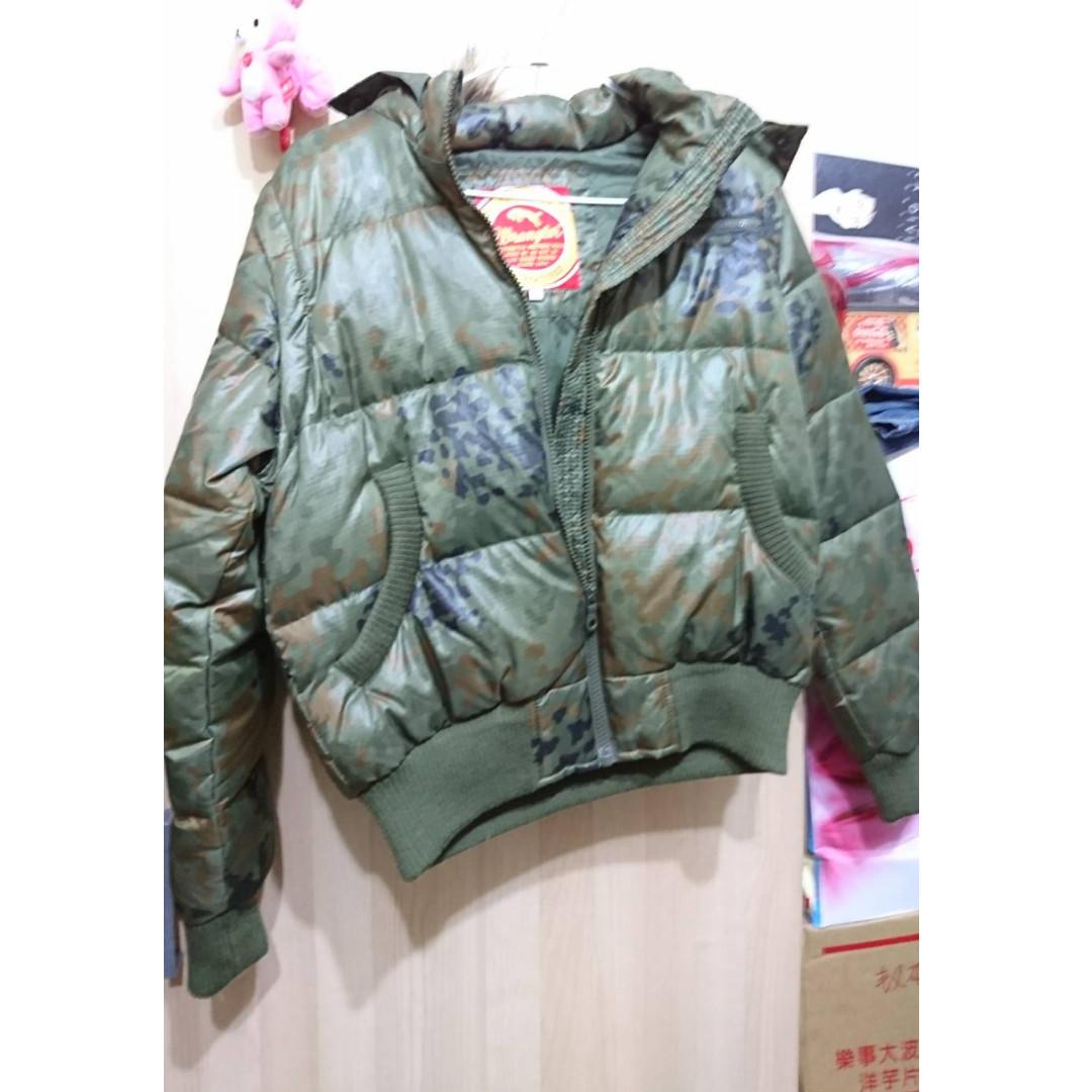 藍哥Wrangler  專櫃品質  全新羽絨外套.背心   一衣兩穿  高CP值  軍綠色
