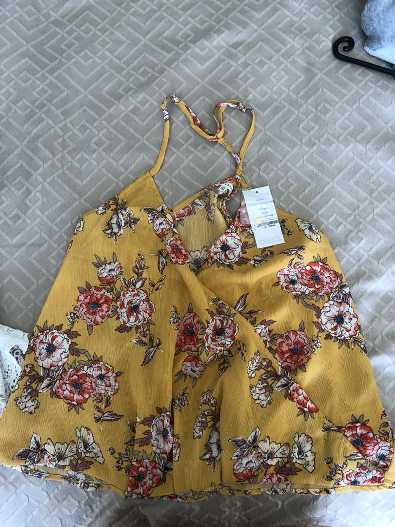 Yellow top size 8/S